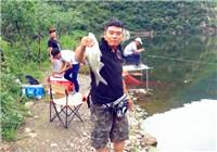 《赤鬼小彤黑坑日记》第二季15集 三坡湖野钓之行擒获青鱼