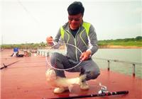 《渔道中国》73期 金龙赣江擒大草鱼