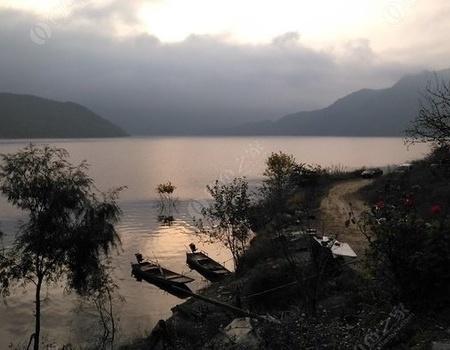 筏钓白龙湖