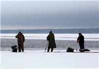 冬季江河湖泊钓鲤鱼钓位与渔具如何选择