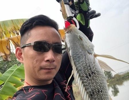 路?#20999;?#25163;新竿的第一场 拟饵钓罗非鱼
