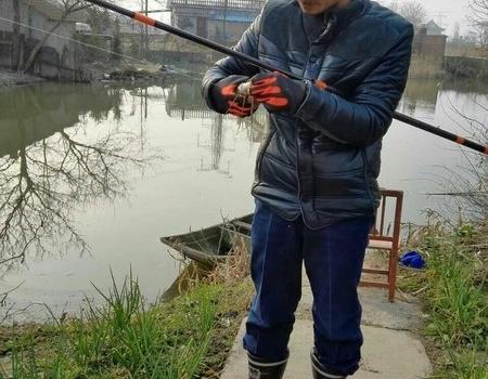 新年開桿給姑家清塘 紅蟲餌料釣鳊魚