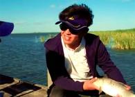 《飞澳两万里》 第一季 第41集:和鲤鱼玩一场游戏