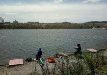 军马场鱼池