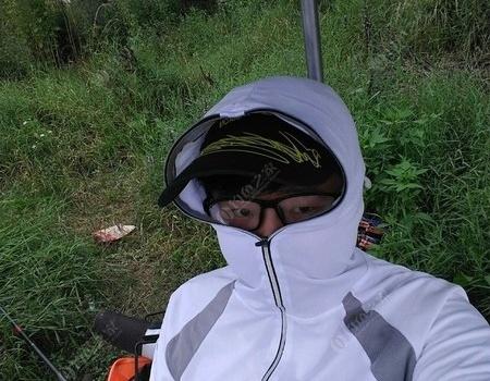 綿綿細雨中作釣真是安逸 天元餌料釣鳊魚