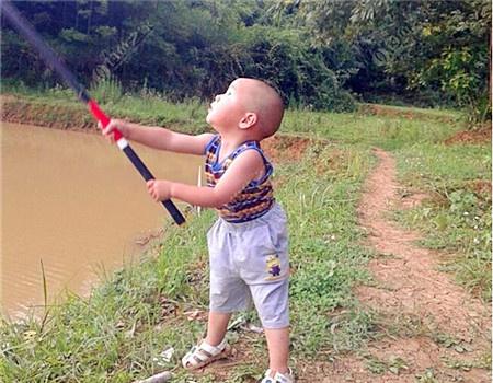 出钓舞阳河 蚯蚓饵料钓马口鱼